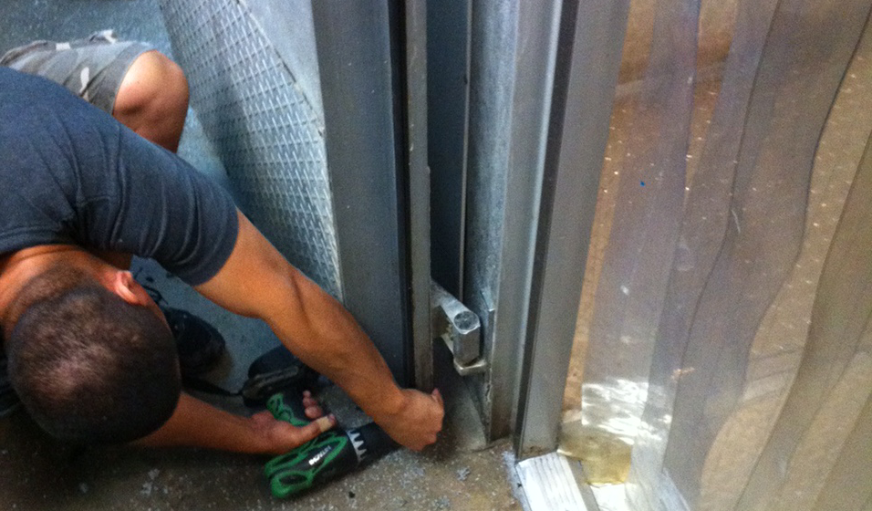 Gasket Doctor Commercial Walk In Cooler Door Repair Services