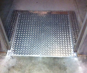 diamond-plating-floor